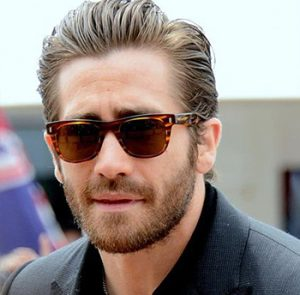 Image of sales rep Jake Gyllenhaal from Love & Other Drugs
